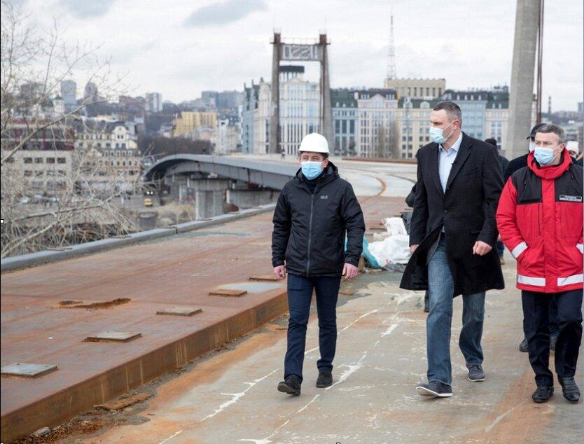 Кличко поймали на обмане: Подольский мост будут строить еще 15 лет