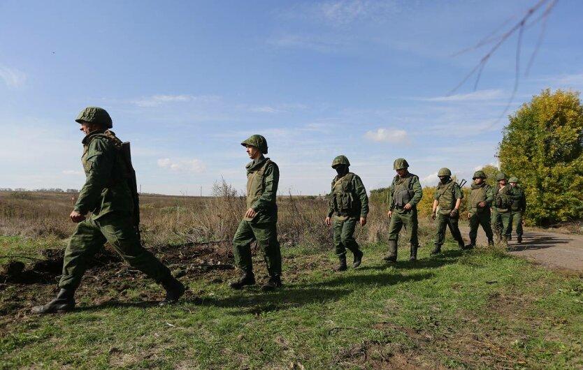 Troop withdrawal near Petrovskoe village in Ukraine