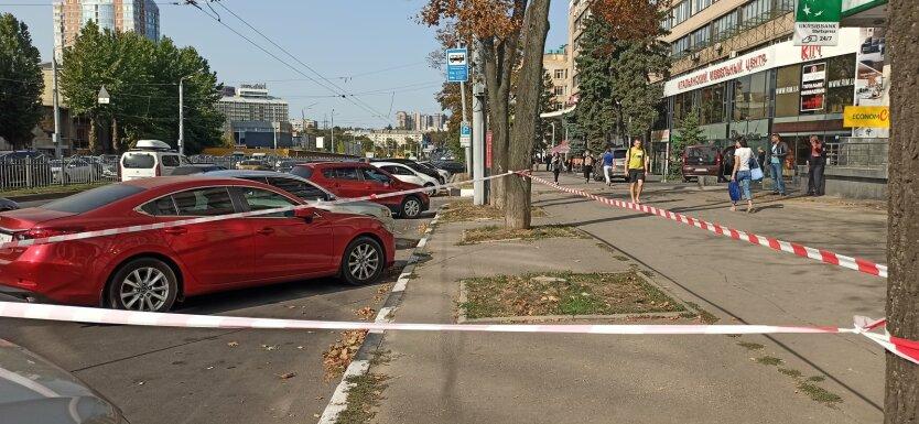 В Харькове неизвестные ранили женщину и угнали авто
