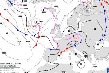 На Украину наступает циклон HENRI: синоптики предупредили о шквалах и грозах
