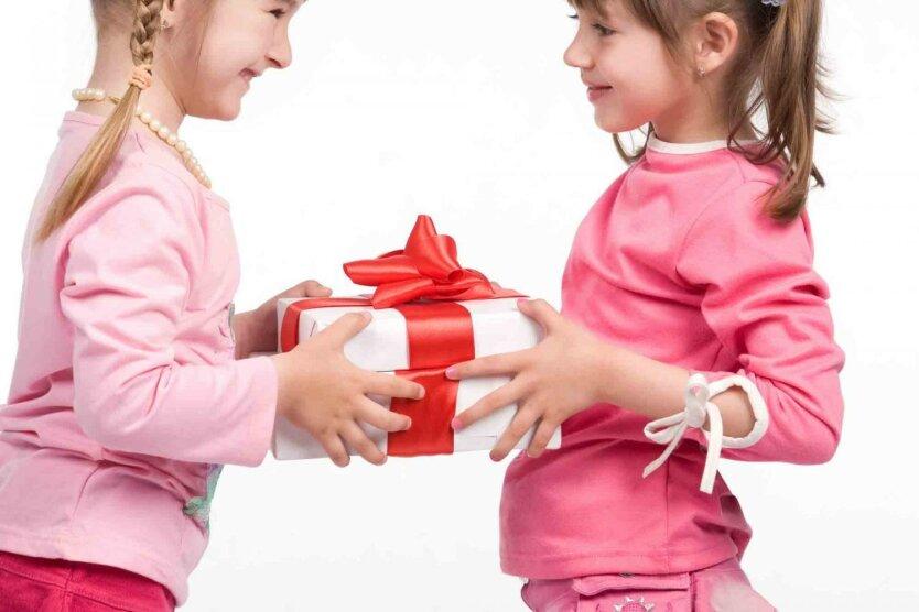 подарки девочкам