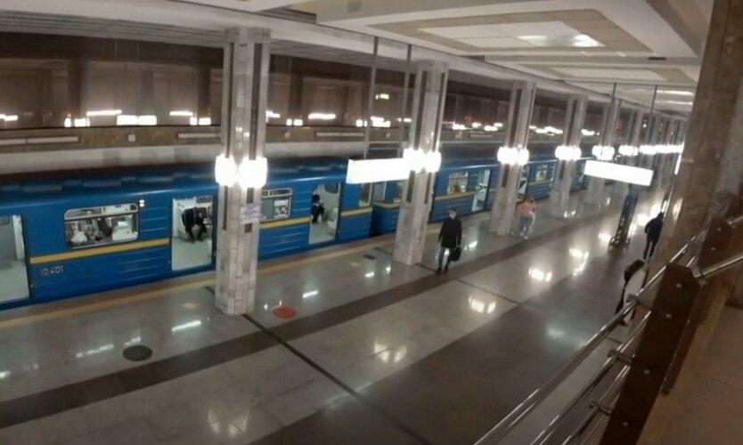Киевлянам показали график работы метро на Рождество