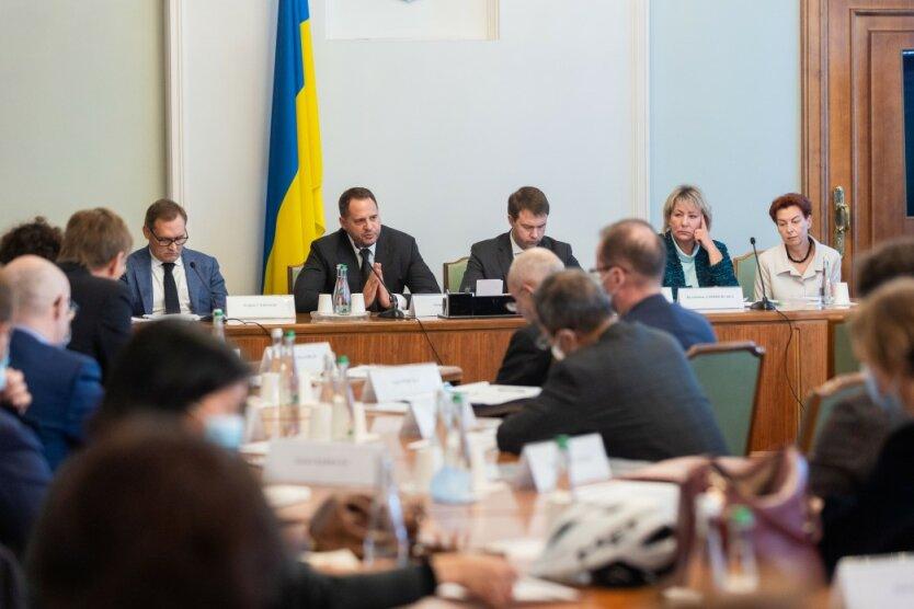Заседание в ОП, Послы G7, судебная реформа Украины