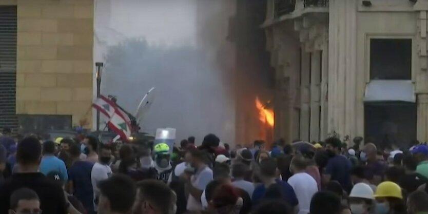 Столкновения с полицией в Бейруте,Ливан,Акции протеста в Бейруте,Взрывы в порту Бейрута