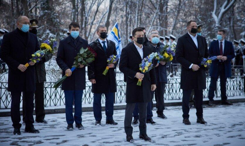 Владимир Зеленский, герои Крут, Донбасс