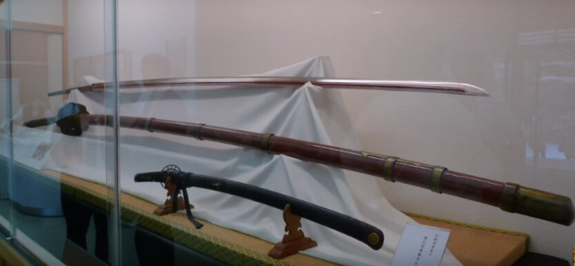 меч в 4 метра