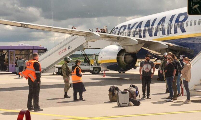 На Ryanair полилась волна хейта из-за захвата самолета с Протасевичем: в компании ответили