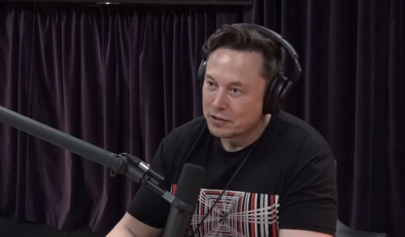 Илон Маск, чип для мозга, говорить без языка