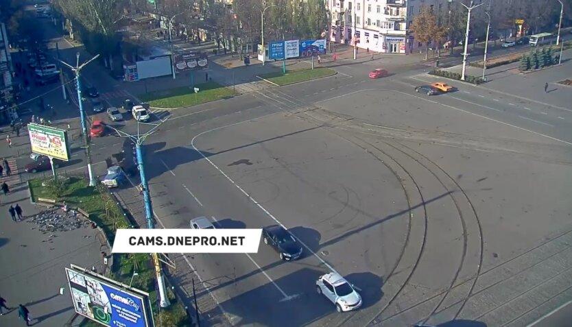 Авария в Днепропетровский области, мусоровоз двухлетний ребенок