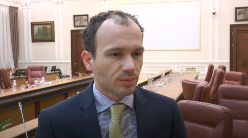 Денис Малюська, СМИ, полиграф