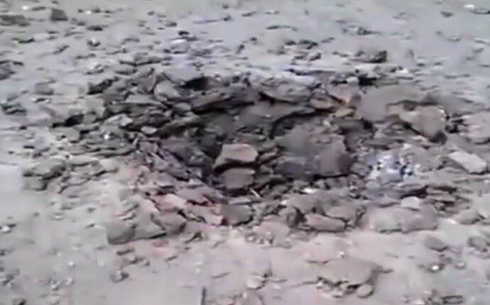 артиллерийский обстрел гаубицы воронка