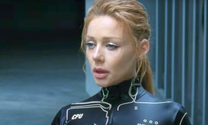 Кароль ответила «скандальной» Поляковой новым клипом
