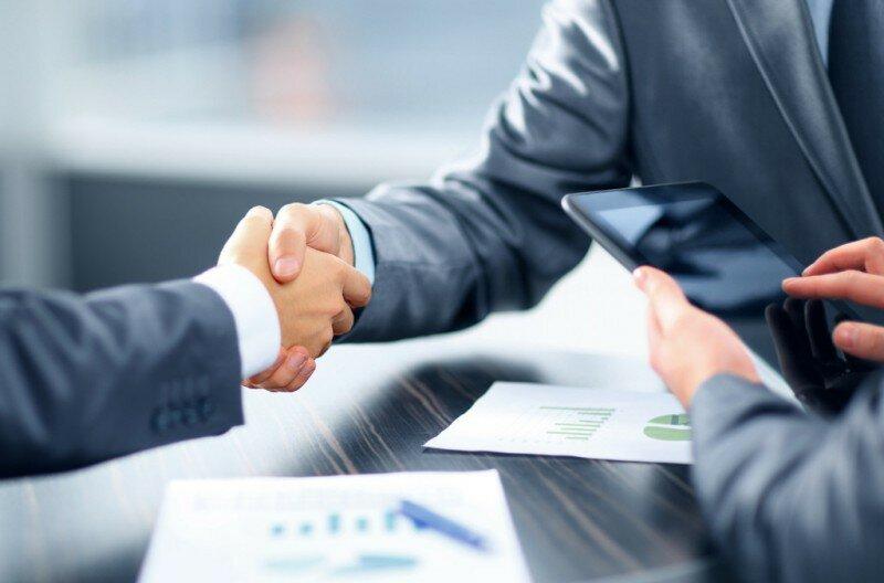 чиновник бизнес партнер