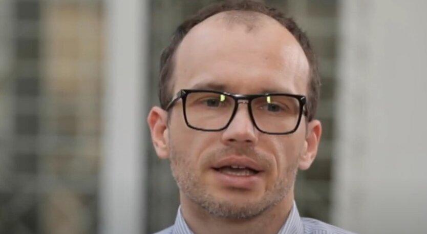 Денис Малюська, олигархи