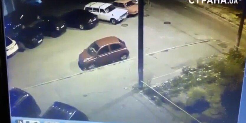 Поджог Tesla Богдана, видео, Владимир Зеленский