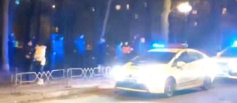 в киеве произошла массовая драка с участием полиции