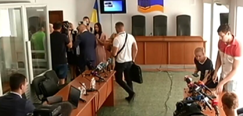 Януковичу дадут бесплатного адвоката
