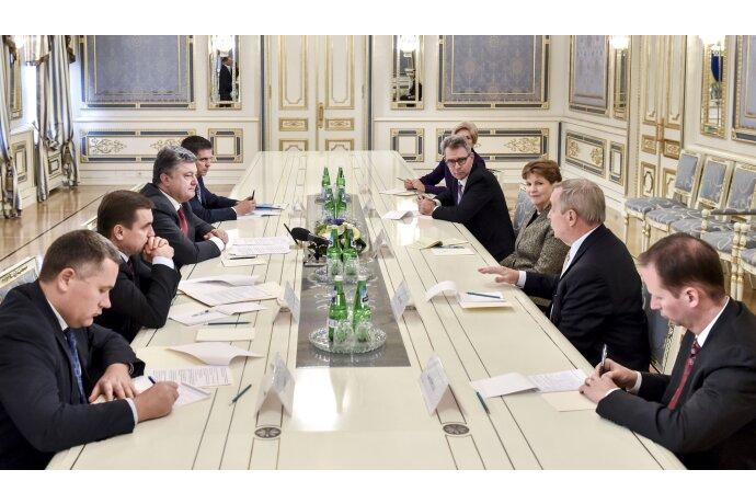 порошенко сенаторы