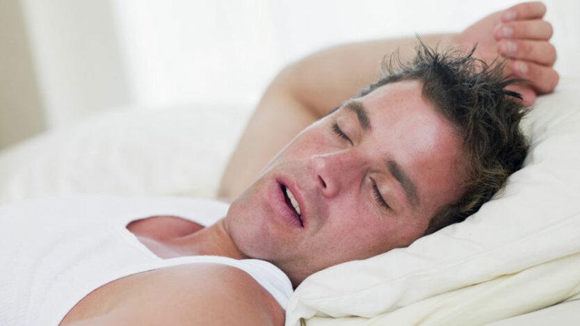 ученые назвали храп во сне признаком серьезной болезни