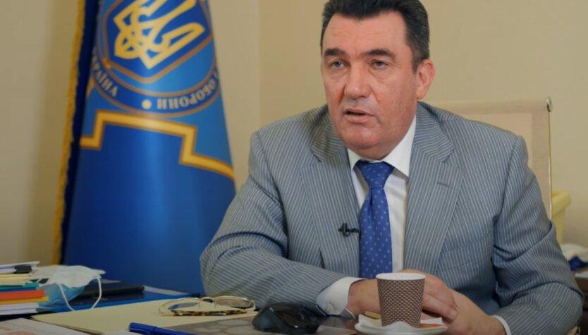 Алексей Данилов, Виктор Медведчук, санкции