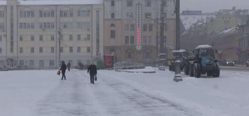 В ряде областей ограничили движение из-за снегопадов