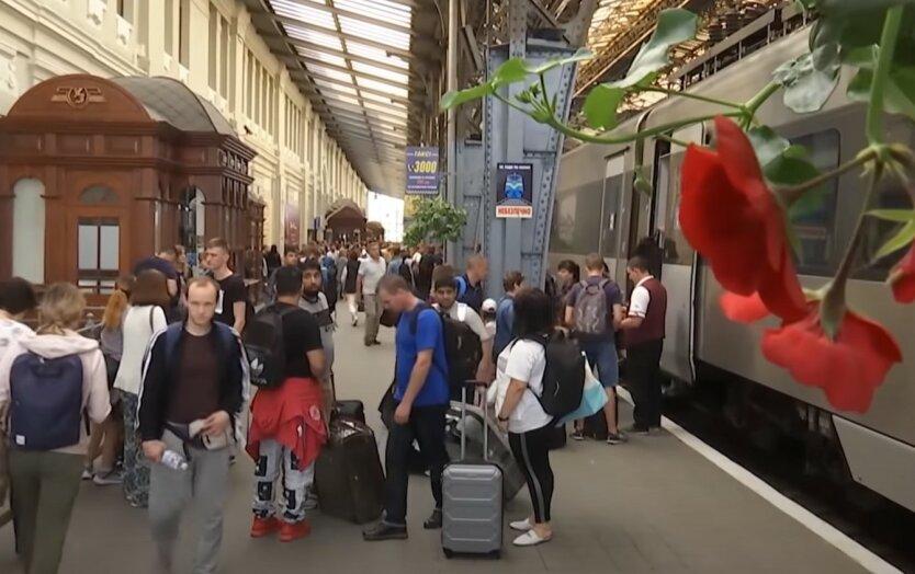 """""""Укрзализныця"""" запускает новый региональный поезд с малой родины Зеленского"""