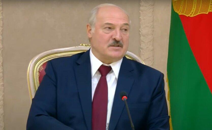 Лукашенко оценил возможность военного конфликта с Украиной