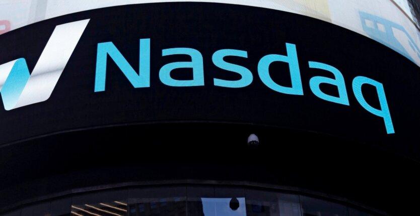 Акции IT-компаний падают на фоне глобального сбоя соцсетей