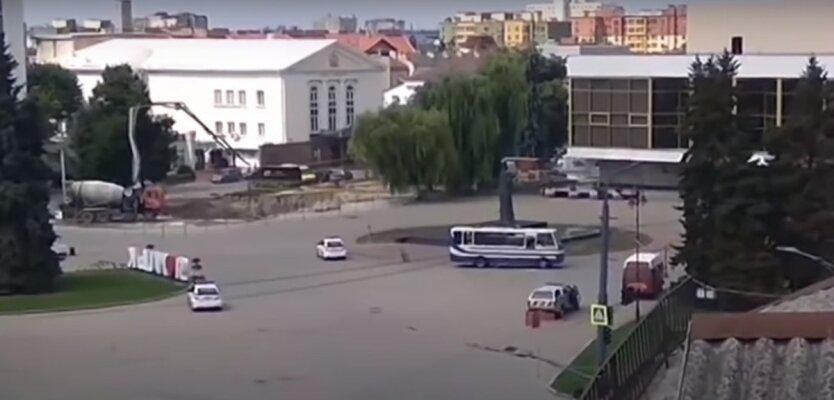 Луцкий террорист,Захват заложников в Луцке,Максим Кривош,Арсен Аваков