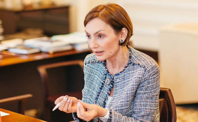 Рожкова прокомментировала нехватку наличного доллара