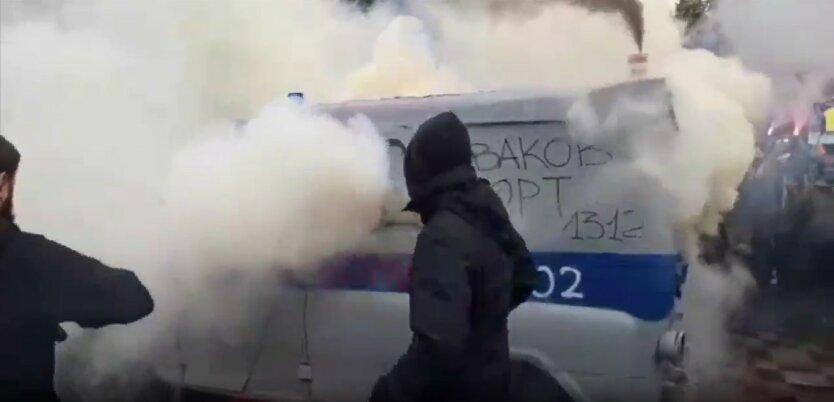 """Протесты под Радой, """"милицейский бобик"""", отставка Авакова"""