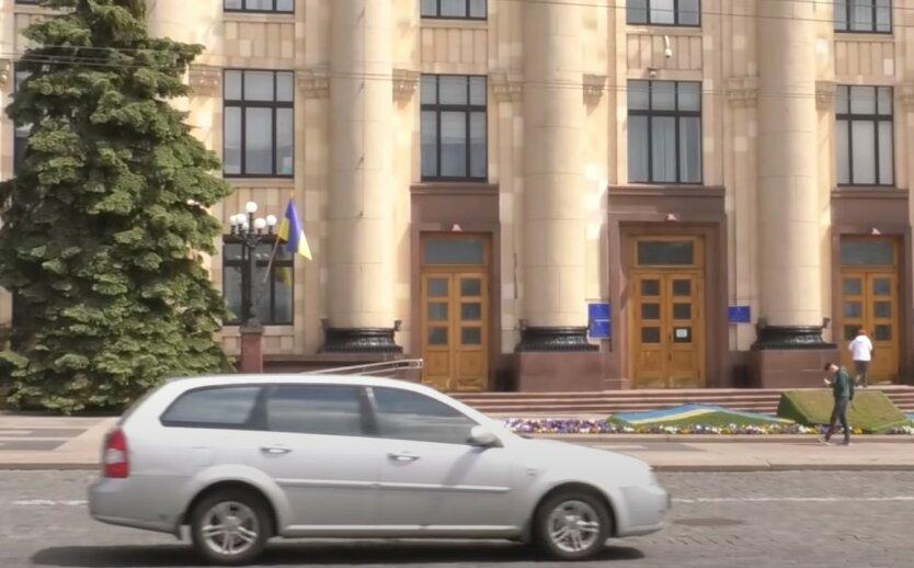 В Харькове таксист доехал до больницы с перерезанным горлом: детали