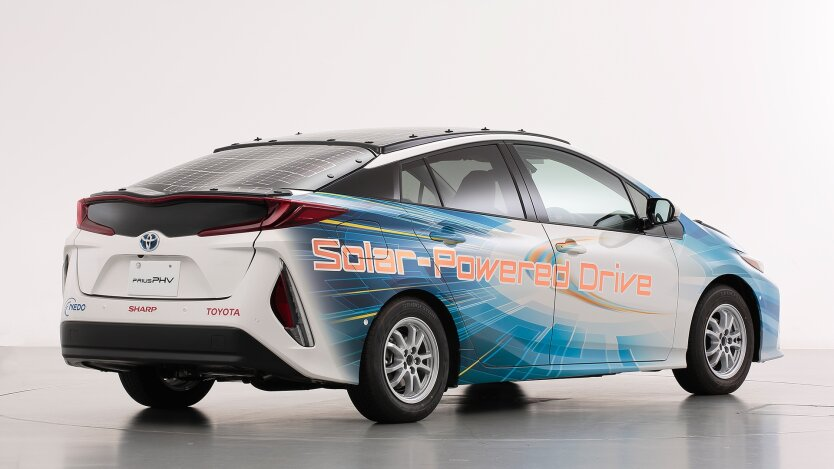toyota-prius-prime-phv-test-vehicle-with-solar-panels-in-japan_100707140