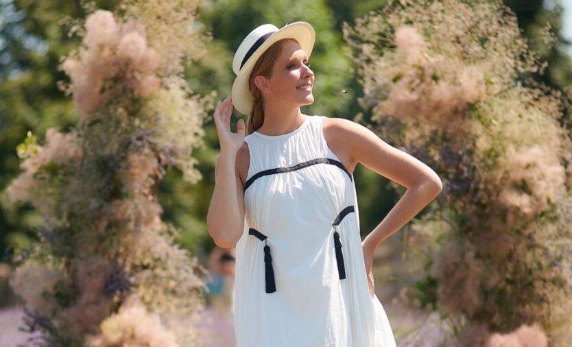 Будет девочка: беременная Осадчая показала летние фото из Одессы