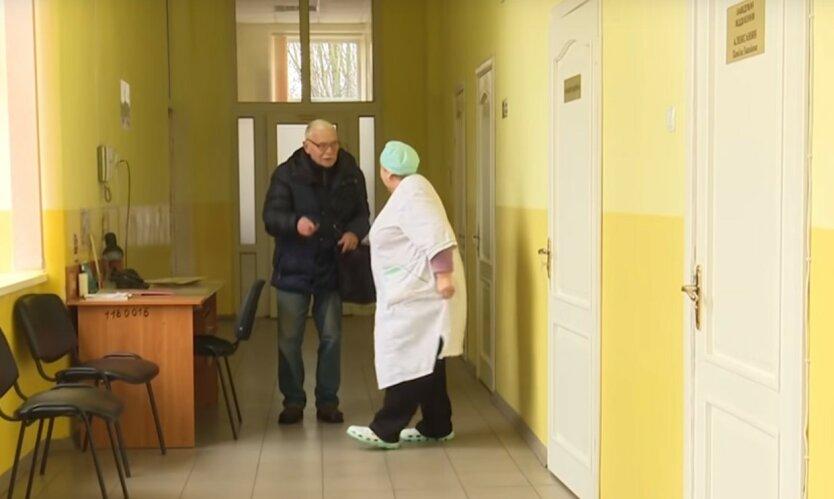 Врачам, лечащим больных с коронавирусом, будут платить по-новому