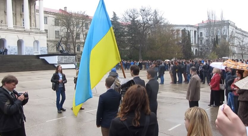 Сергей Кислица,Репрессии против украинцев в Крыму,Украинские паспорта в Крыму