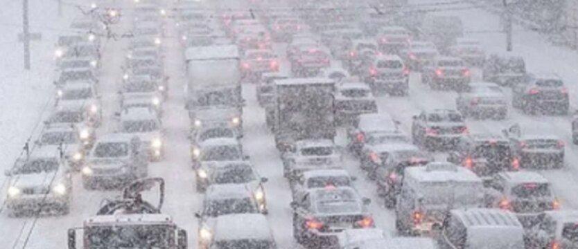 Киев накрыл снегопад