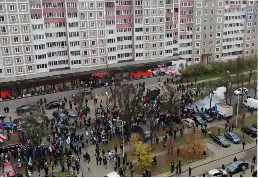 Столкновения ОМОНа с протестующими в Беларуси, Площадь перемен в Минске