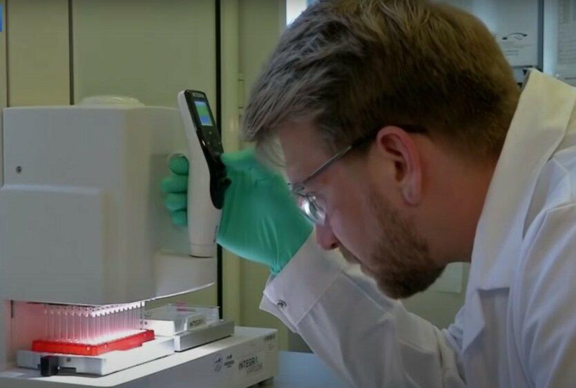 Вакцину от коронавируса начнут тестировать на людях