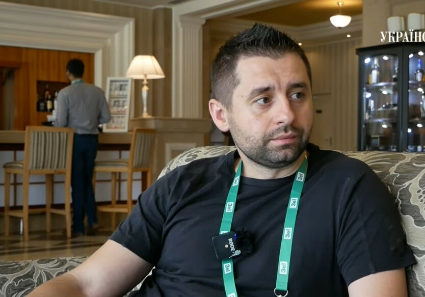 Давид Арахамия, Игорь Коломойский, разговор на футбольном матче