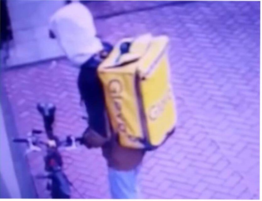 Курьер Glovo, БЦ Ильинский, кража в Киеве, ограбление в Киеве, Нацполиция Украины