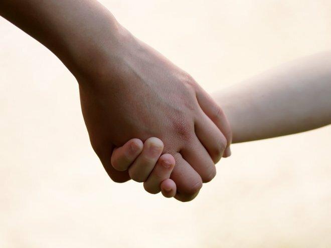 дети за руки