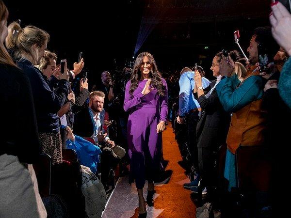 Меган Маркл оконфузилась на мероприятии в Лондоне: видео