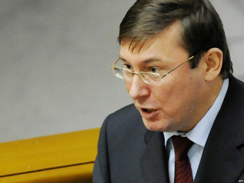 Чечетов злорадствует, что Луценко устроит в оппозиции междоусобную войну