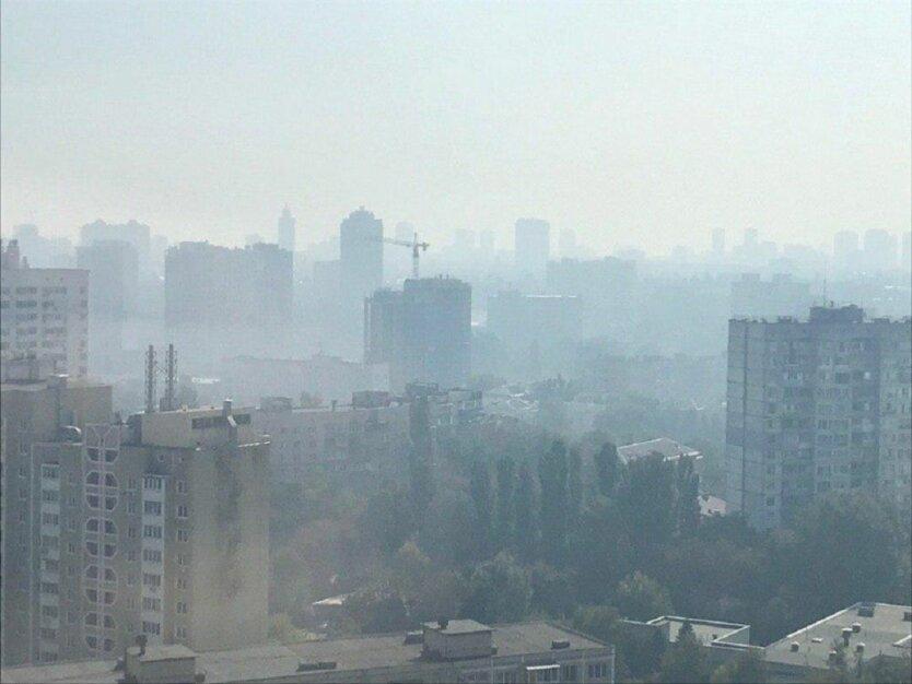 Столичные власти призывают киевлян закрыть окна из-за продуктов горения в воздухе