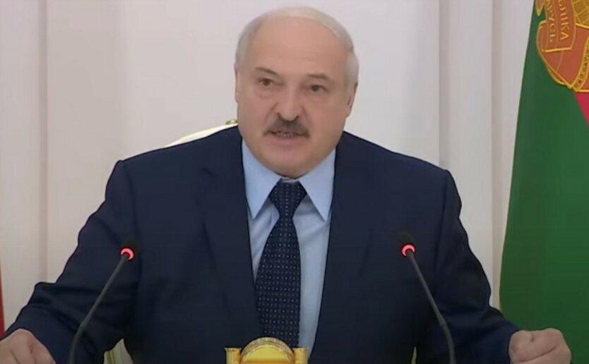 """Спятивший Лукашенко заявил, что """"спас"""" Тихановскую"""