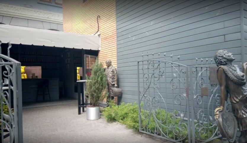 Охранник депутата открыл стрельбу в Харькове, его забили насмерть
