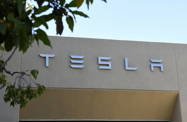 тесла Tesla Motors