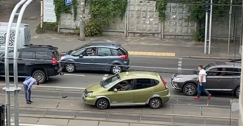 ДТП в Киеве, таксист Chevrolet, сбил школьника на переходе