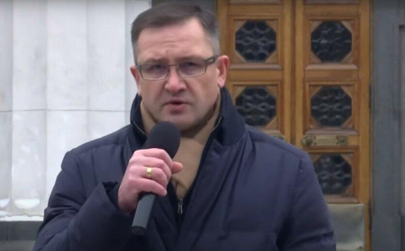 В «бюджетную дыру» рискуют провалиться зарплаты и пенсии украинцев